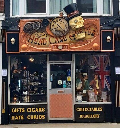 Portsmouth, UK: Head Case Curios 2021