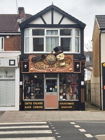 Portsmouth, UK: Head Case Curiis Ltd, 2021