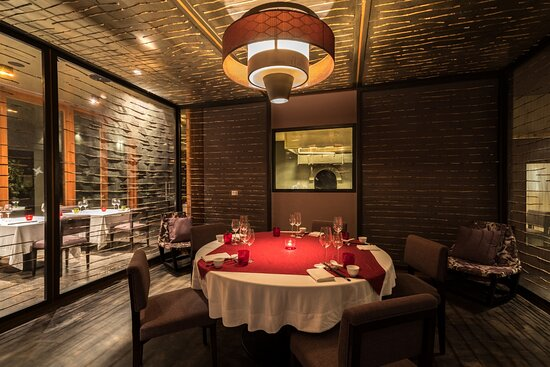 Private enclosures for family & intimate dining at Tao of Peng