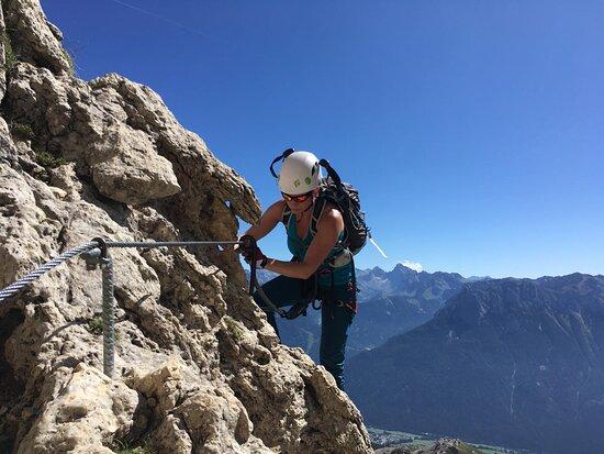 Auf Klettersteigtour mit unseren Bergführern in den Dolomiten