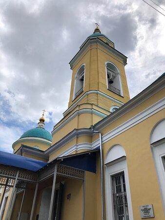 """Церковь иконы Божией Матери """"Всех скорбящих Радость"""" на Калитниковском кладбище"""