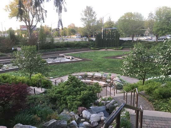 Beautiful garden right in the city