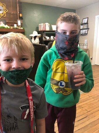 Mannington, Virgínia Ocidental: Little tea drinkers