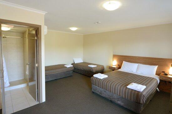 Somerset, Úc: Queen + Two Singles Standard Room
