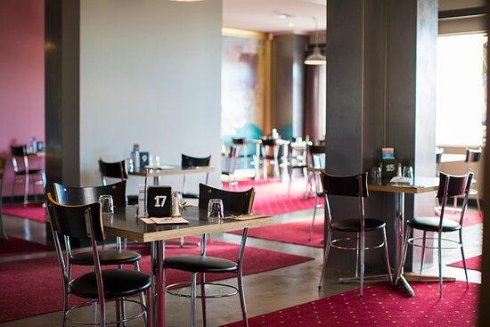 Lounge Bar - Picture of The Neptune Grand Hotel, Penguin - Tripadvisor