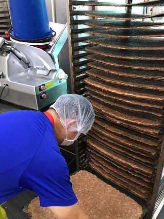 德记肉干行提供大量,小量,OEM肉干。联系客服ms shu 0164083555