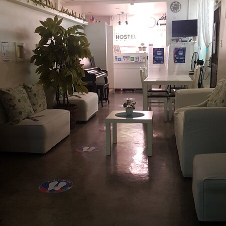 Clean and Prime Location near Shaw Blvd