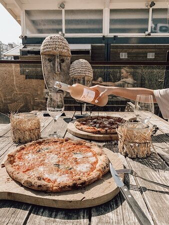 Pizza and Rosé!