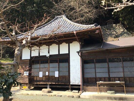 健康寺の祠