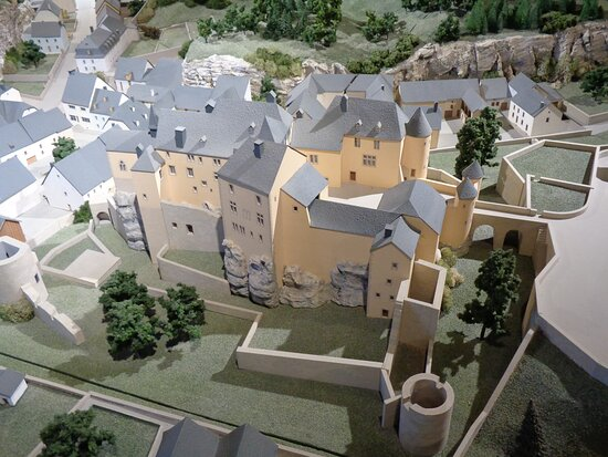 Clervaux, Luxembourg: Miniature of Bourglinster Castle