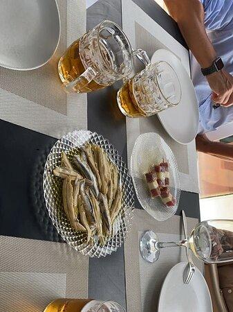 Muy bonito  restaurante, con muy buena cocina y un gran servicio