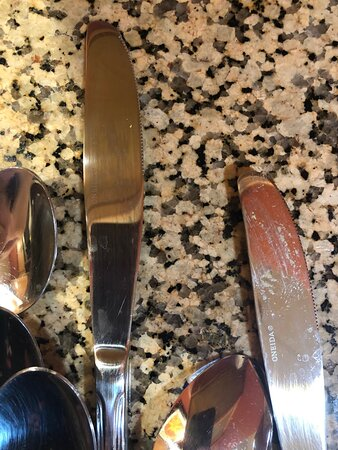 5.21.21 knives that were in the dirty utensil tray - also dirty