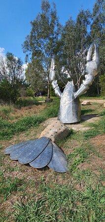 Corryong, Úc: Bringenbrong Bridge & Crayfish Sculpture