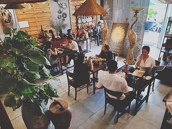 Dieu Hanh Vegetarian Restaurant
