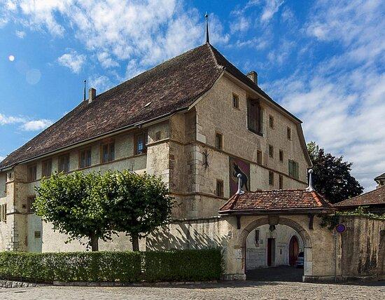 La Cour De Berne