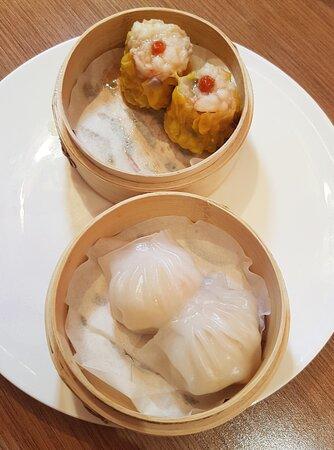 晶瑩海蝦餃、杞子鮮蝦燒賣