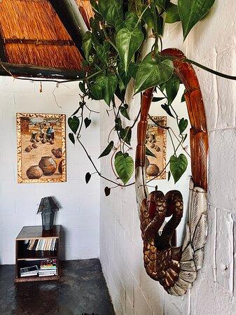 Mpulungu, Zambia: Chalet No. 7 - Arty details