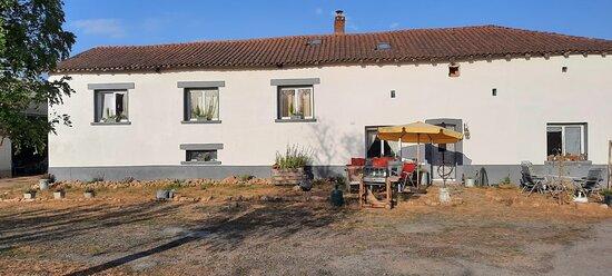 Champsac, France: dejeuner en terasse