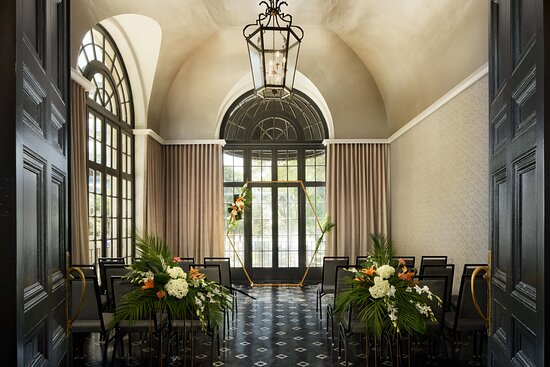 Terrace Grille Lake Mirror Room Ceremony Setup