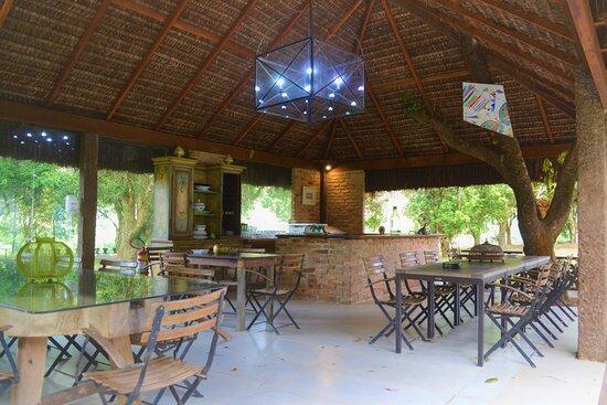Rio das Flores, RJ: Um dos espaços de alimentação do Hotel do Café - a área dos churrascos.