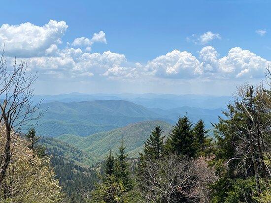 Balsam, NC: Scenic view descending the trail