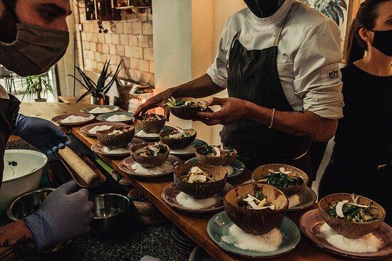 Impressions of our unique menus that are served only once! ¡Impresiones de nuestros menús únicos que se sirven solo una vez!