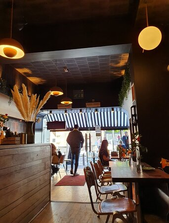 Cafe Tabac in Ropewalks District