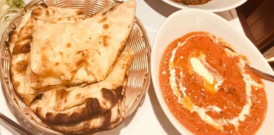Butter Chicken with Nan bread very famous dishes
