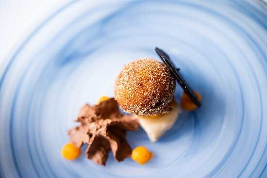BUÑELO DE MONIATO I XOCOLATE sweet potato donut · chocolate
