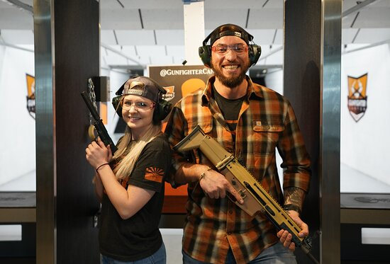 Gunfighter Canyon - Indoor Shooting Experience