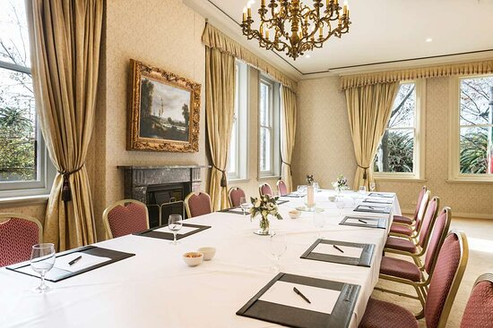 The Lachlan Suite Meeting Room  Sir Stamford at Circular Quay