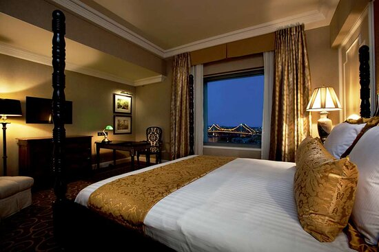 Stamford Suite Bedroom - Stamford Plaza Brisbane