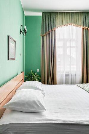 двухместный номер с большой кроватью