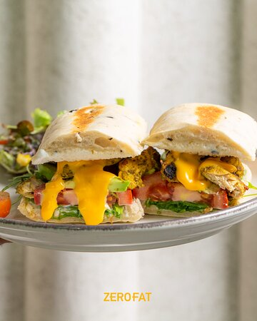 اقوى شي !  We dare you to tell us there's a better way to break your fast if not with this incredible sandwich!