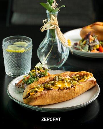 كيف تقدر تقاوم؟! ساندويش برسكت How can you ever resist? 🤤  Beef Brisket sandwich