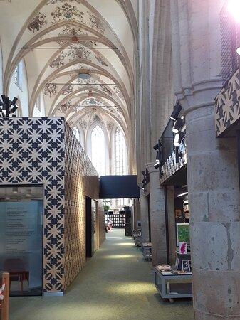 Gewelven Broederenkerk, nu bibliotheek