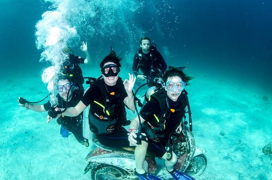 Image of one of the many activities & excursions you can enjoy during your stay at our guest house, Veli Beach Inn on Mathiveri in the Maldives.
