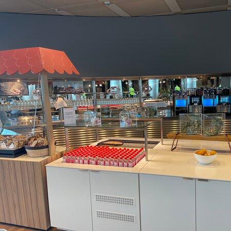 Airport Lounge World