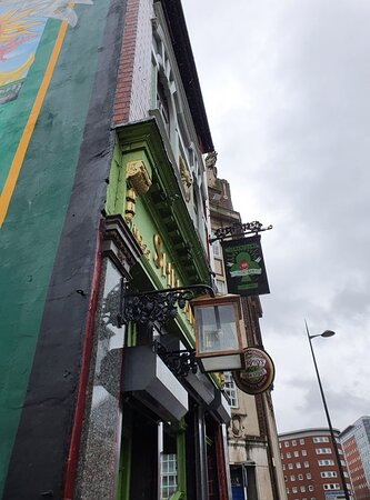 Shenanigans Irish Pub in Liverpool Commercial District