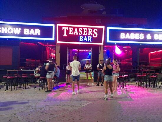 Teasers Show Bar