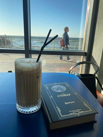 Прекрасное место,с прекрасным видом на море и самым вкусным кофе на свете!!!!)))☕️🌊