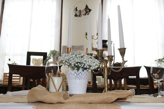 Table with decor