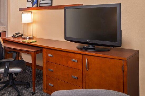 Landover, MD: Guest Room- Work Space