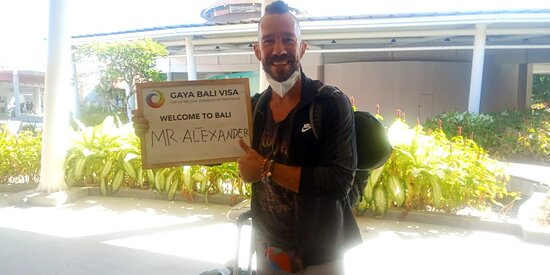 Bali Ngurah Rai Airport: We were delighted to welcome Mr. Alexander to Bali last week. Thank you for trusting us with arranging your business visas! Our best wishes to you in all of your meetings ❤️  To learn more about Business Visa, PMA Setup, and Social Visa Onshore, visit our website and contact us. We would be glad to assist you.