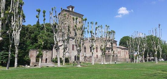 Rocca dei Rossi di San Secondo - vista dal giardino di fronte