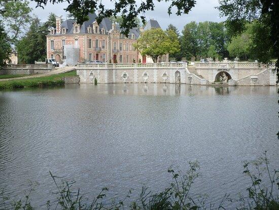 Mazières-en-Gâtine , France: Le château