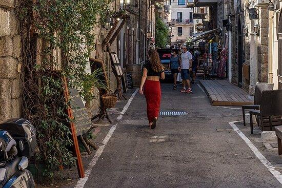 Porto-Vecchio comme une visite à pied personnalisée et privée locale