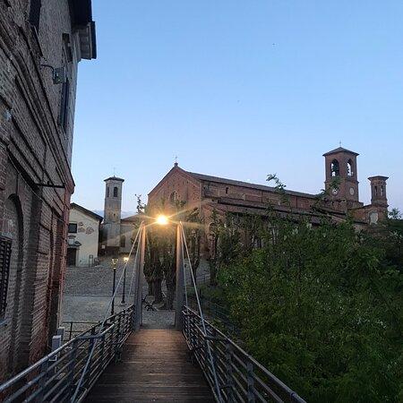 Luogo tranquillo da dove poter ammirare il panorama attorno a Cassine.