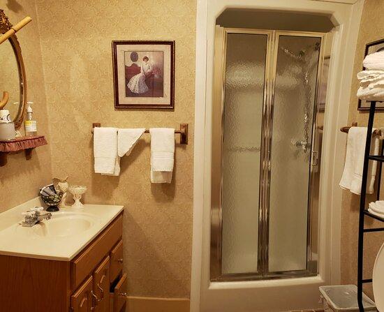 Hunter Retreat Bathroom