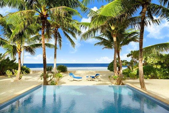 Garden Suite villa with pool
